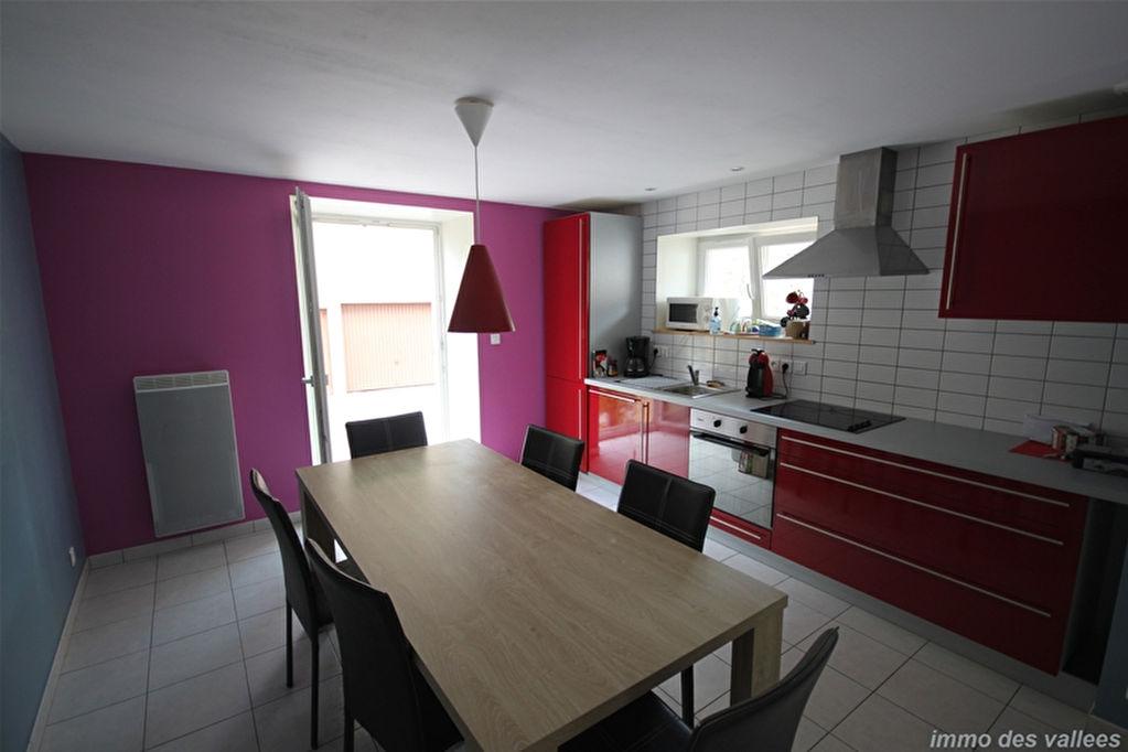 Appartement 3 pièces + terrasse et garage  proche La Bresse
